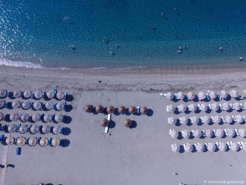 mavrovouni beach